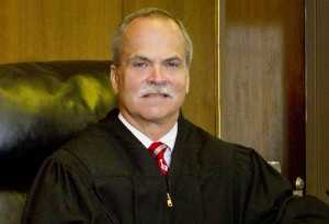 Circuit Judge Dave Jordan to run for seat on bench after governor's appointment.