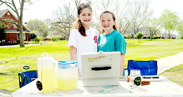 Stephanie Nelson| The Brewton Standard Emily Morgan and Jennings Ruzic hosted a lemonade stand on Monday.